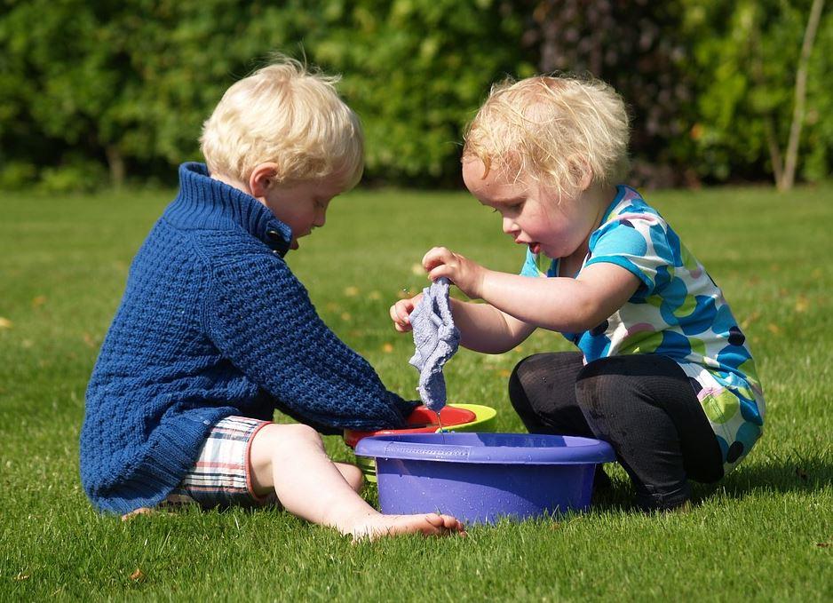 enfant jouant